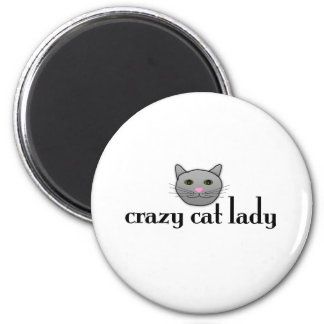 Senhora louca do gato imã