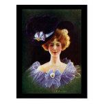 Senhora no vestido da orquídea com vintage do Pin