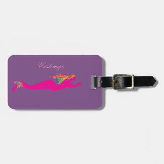 sereia cor-de-rosa subaquática alguma cor etiqueta de bagagem