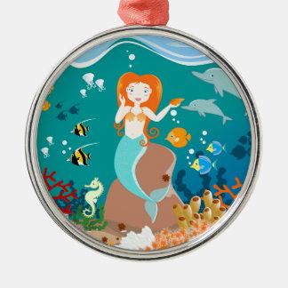Sereia e festa de aniversário dos golfinhos ornamento redondo cor prata