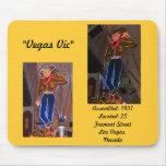 Série de néon retro: #2 Vegas Vic Mousepad