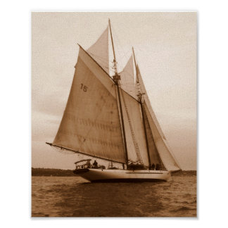Sete velas no mar de Salish Pôster