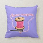 Sew a agulha e o algodão impressionantes travesseiros de decoração