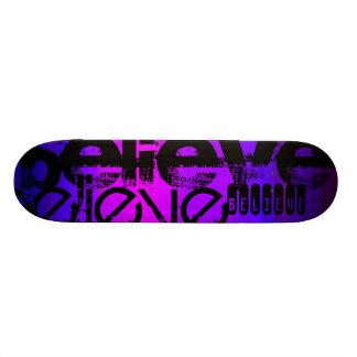 Shape De Skate 18,4cm Acredite; Azul violeta e magenta vibrantes