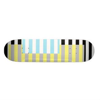 Shape De Skate 18,4cm listras e cores