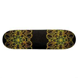 Shape De Skate 20,6cm O amarelo deixa a mandala no conselho escuro