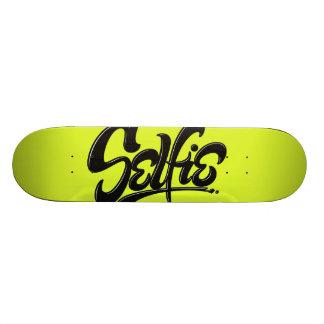 Shape De Skate 20,6cm Rotulação verde ácida da arte da rua de Selfie dos
