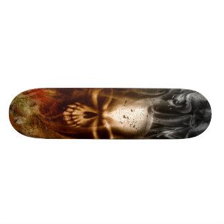 Shape De Skate 20cm Crânio Smoldering do KRW