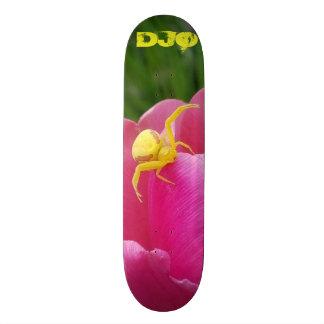 Shape De Skate 21,6cm Iniciais amarelas brilhantes da flor do rosa da