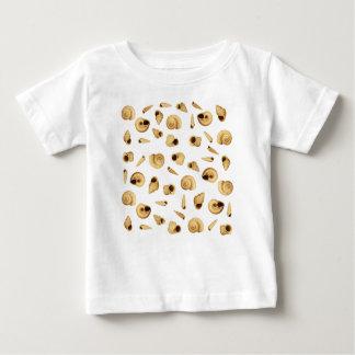 Shell modela camiseta para bebê