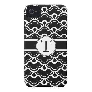 Shell Scalloped preto e branco modela o monograma Capinhas iPhone 4