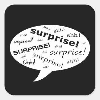 shh é uma bolha cómica do partido de surpresa adesivo quadrado