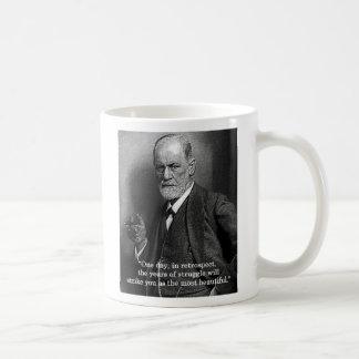 """Sigmund Freud """"um dia."""" caneca das citações"""