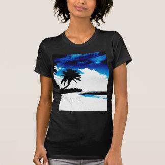 Silhueta branca da palmeira do preto azul tshirt
