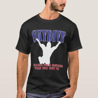Silhueta da camisa de Skydiving (escura)