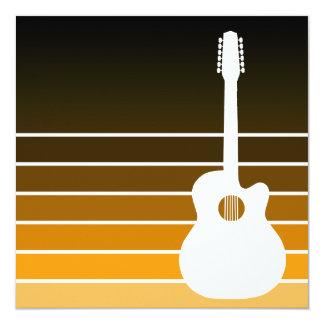 silhueta da guitarra acústica: o âmbar convite quadrado 13.35 x 13.35cm