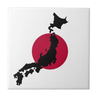 Silhueta de Japão sobre a bandeira nacional de Sun