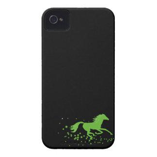 Silhueta do cavalo de galope e do cavalo selvagem capinhas iPhone 4