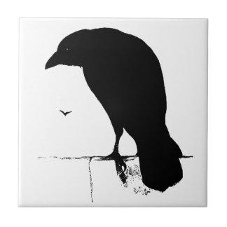 Silhueta do corvo - corvos & corvos do gótico do azulejo quadrado pequeno
