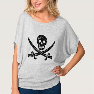 Silhueta do pirata do crânio & da espada tshirts