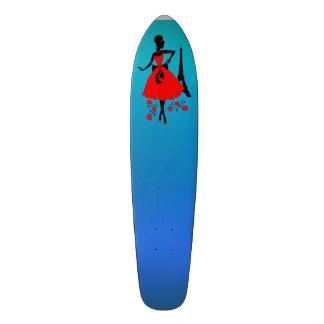 Silhueta preta vermelha da mulher retro com torre shape de skate 18,1cm