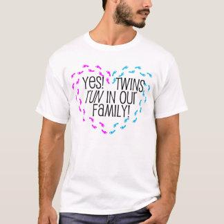 Sim! Gêmeos funcionados em nossa família! Coração Camiseta