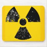 Símbolo afligido da radiação mousepad