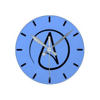 Símbolo ateu: preto na luz - azul relógio redondo
