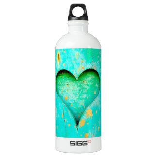 Símbolo de madeira resistido do coração da pintura garrafa d'água