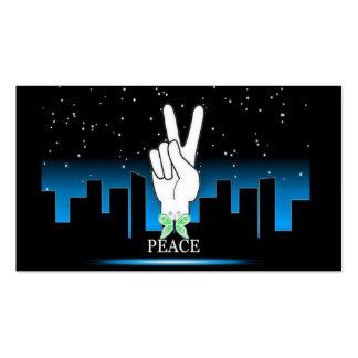 Símbolo de paz com um fundo da cidade cartão de visita