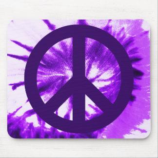 Símbolo de paz tingido em nó roxo mouse pad