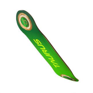 Símbolo do zodíaco do Taurus Shape De Skate 18,1cm