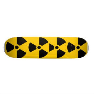 Símbolo nuclear shape de skate 20,6cm