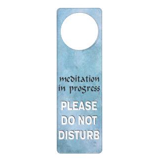 Sinais De Porta A meditação em andamento por favor não perturba