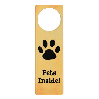 Sinal de advertência da porta do animal de sinais para porta