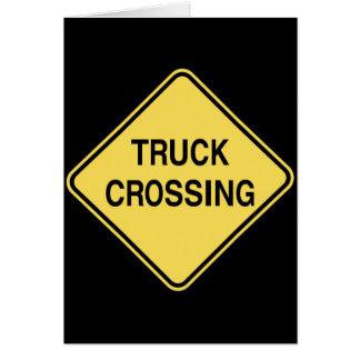 Sinal de estrada - cruzamento do caminhão cartão