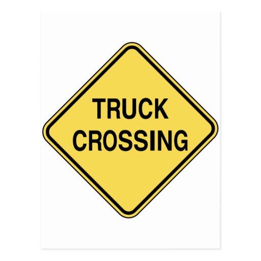 Sinal de estrada - cruzamento do caminhão cartoes postais