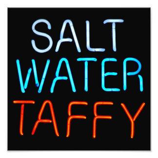 Sinal de néon do Taffy da água salgada Impressão De Foto