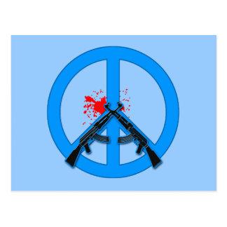 Sinal de paz com AK-47s e sangue Cartões Postais