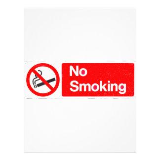 Sinal não fumadores modelo de panfleto