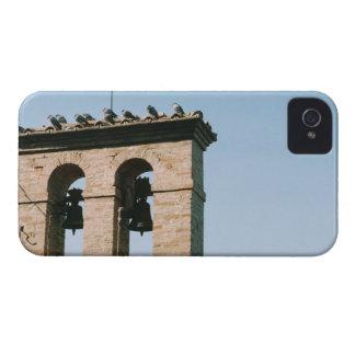 Sinos de igreja antiquados, Assisi, Italia Capa Para iPhone 4 Case-Mate