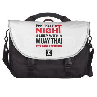Sinta seguro no sono da noite com um lutador bolsa para laptops