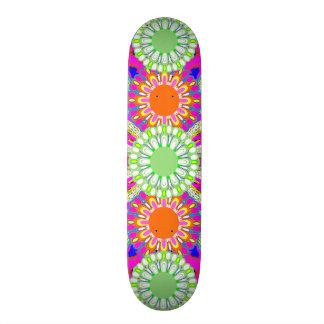 Skate A plataforma cor-de-rosa & verde da menina dos