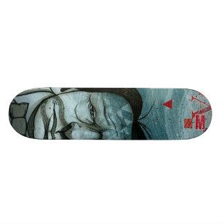 Skate azul da cara