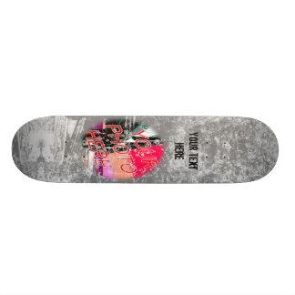 Skate cinzento do modelo da foto do Grunge