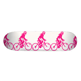 Skate cor-de-rosa da imagem do ciclo das meninas