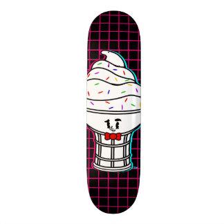 Skate da grade do rosa do gelado dos desenhos