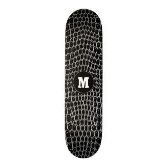 Skate feito sob encomenda da pele do crocodilo do