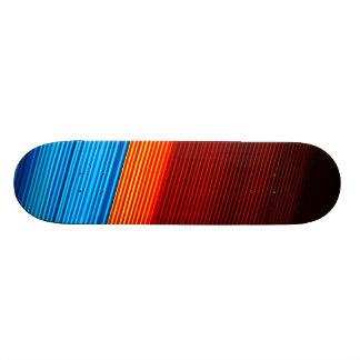 Skate Listras pretas vermelhas azuis LEGAL do amarelo