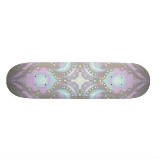 Skate Pastel na mandala concreta da rua